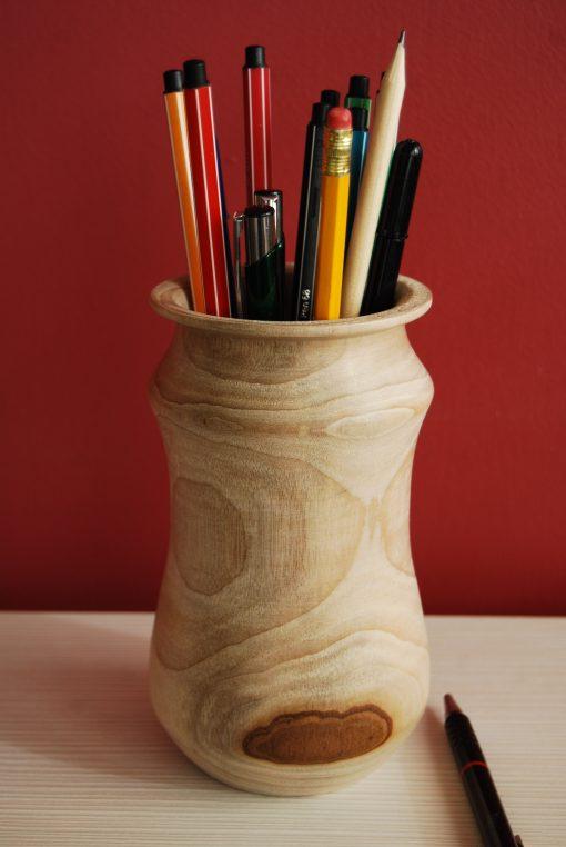 Vaso - portapenne in legno di canfora