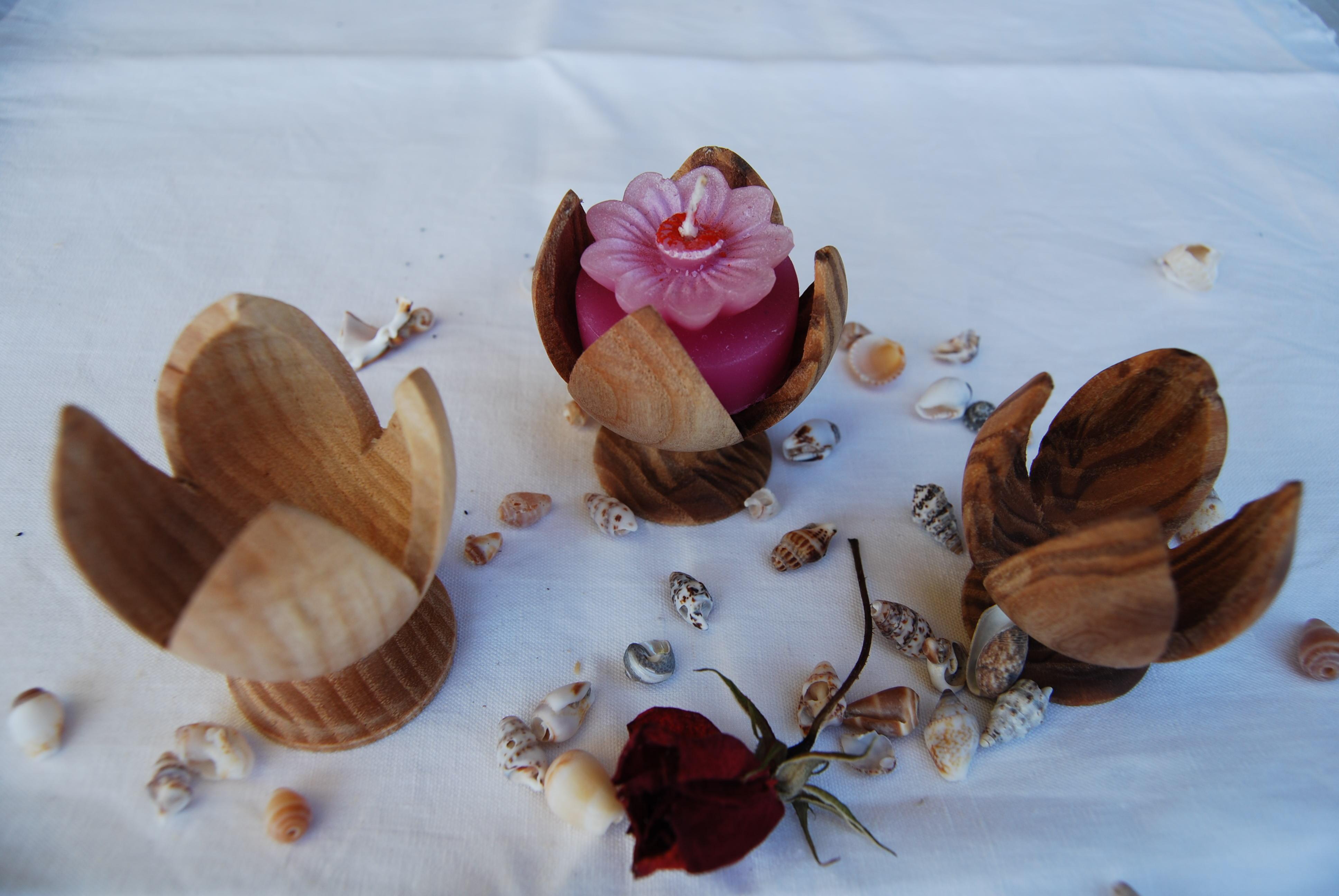Portacandele in legno di frassino tornito