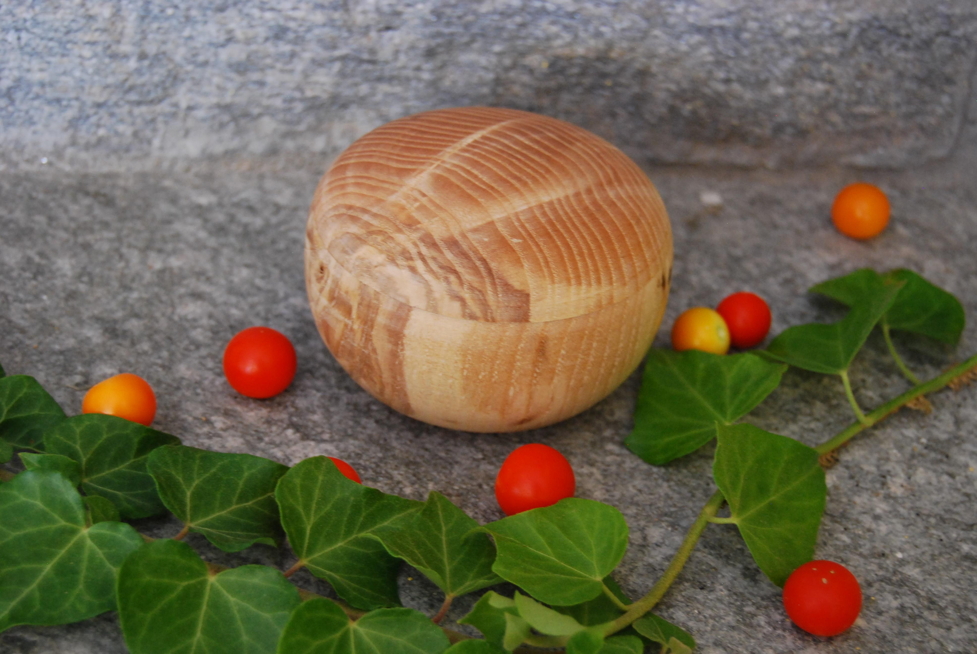 Portagioie in legno di frassino