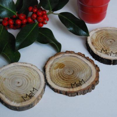 Sottobicchieri in legno di acacia con corteccia artigianali