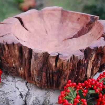 Ciotola in legno di nespolo tornita